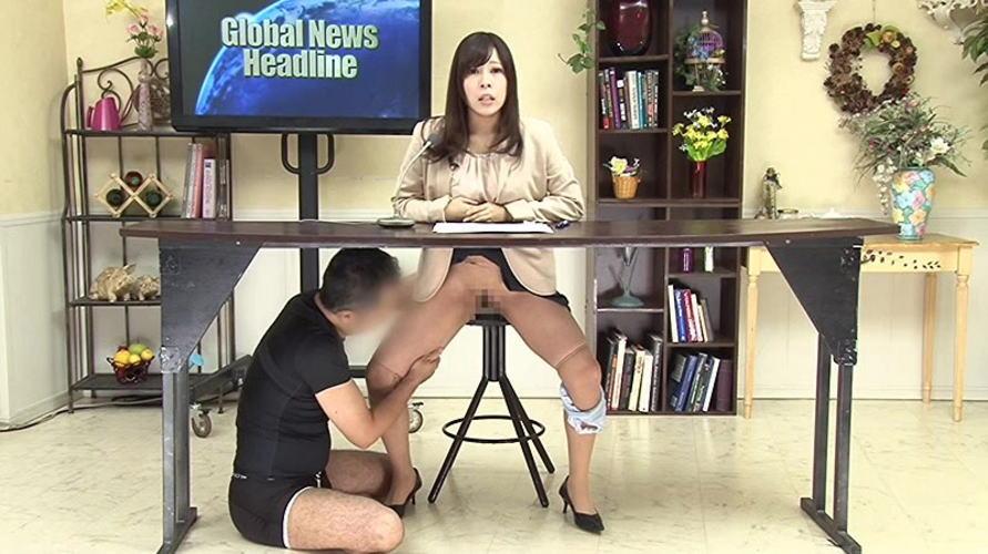 【※放送事故】女子アナさん、カメラアングル外の光景が卑猥すぎるwwwwwww(画像26枚)・23枚目