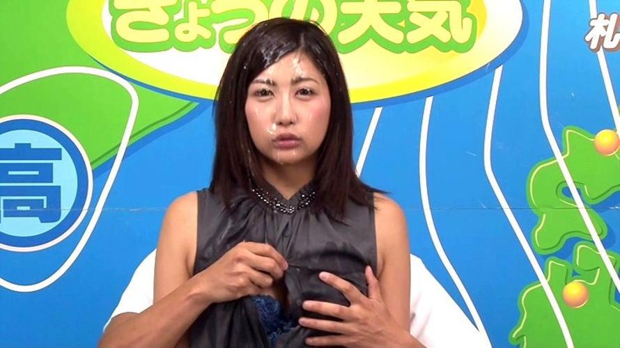 【※放送事故】女子アナさん、カメラアングル外の光景が卑猥すぎるwwwwwww(画像26枚)・24枚目