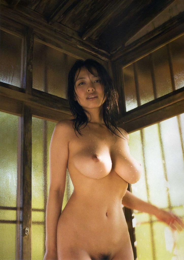【※保存不可避※】巨乳グラドルまんさん、乳首解禁ヌード画像集 25枚・12枚目