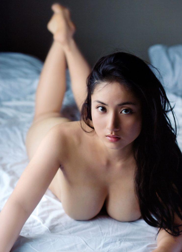 【※保存不可避※】巨乳グラドルまんさん、乳首解禁ヌード画像集 25枚・13枚目