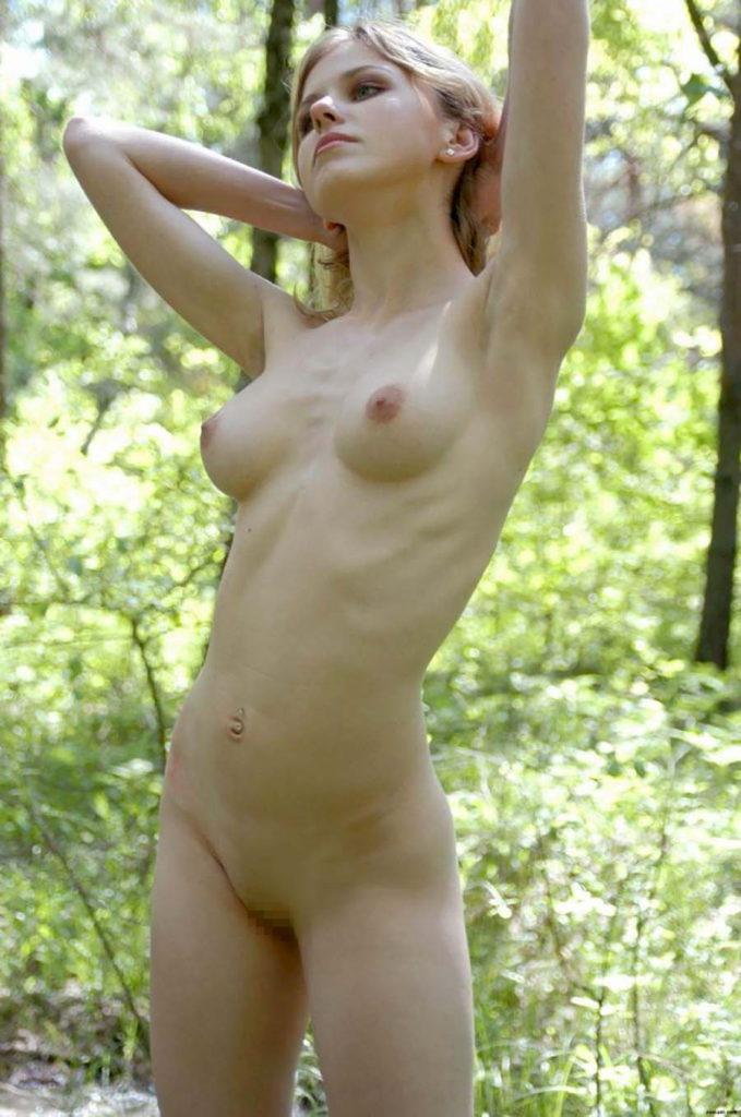 ロシア女子の完全にアウトなヌード写真、ポルノ業界の内情ヤッバ杉ワロタwwwwwwwwwwww・11枚目
