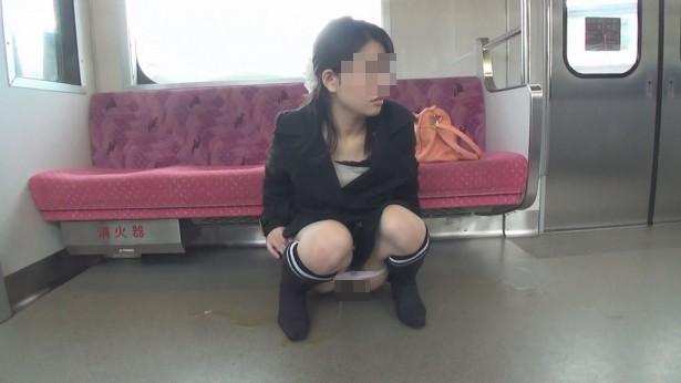 電車の中でおしっこするAVがヤバ過ぎる・・・確実に逮捕事案で胸糞。。。(画像あり)・9枚目