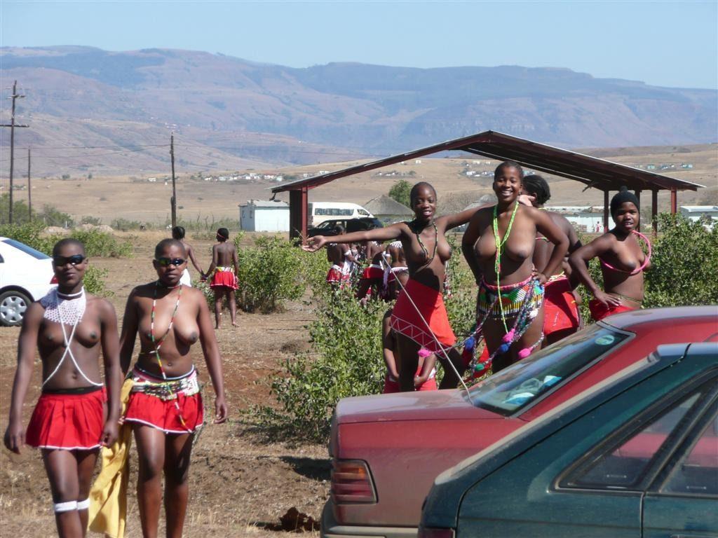 """""""アフリカ原住民""""の民族おっぱいを集めた結果。巨乳多すぎワロタwwwwwww・12枚目"""