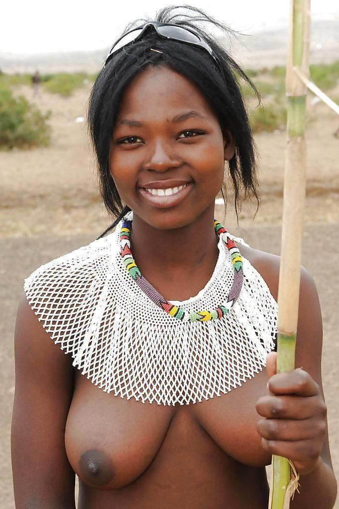 """""""アフリカ原住民""""の民族おっぱいを集めた結果。巨乳多すぎワロタwwwwwww・15枚目"""
