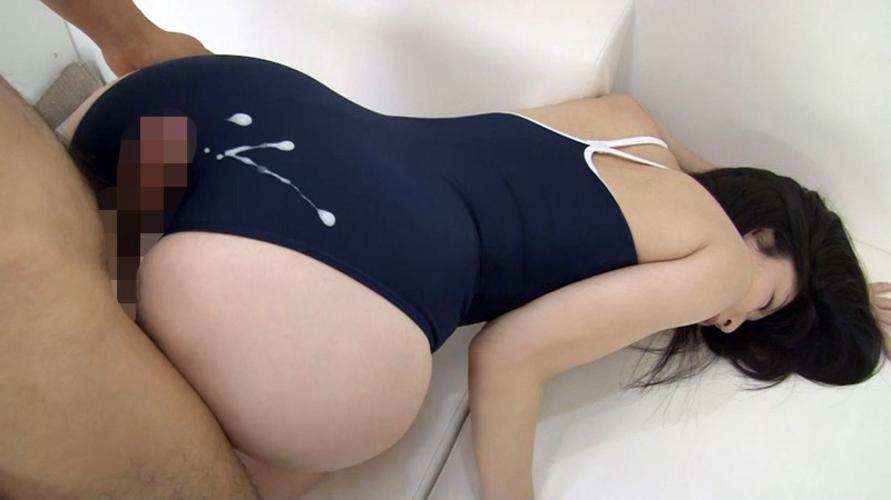 【スク水エロ画像】妻にスク水を着せてぶっかけた写真晒すわwwwwww・17枚目
