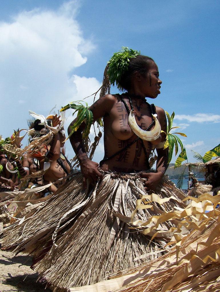 """""""アフリカ原住民""""の民族おっぱいを集めた結果。巨乳多すぎワロタwwwwwww・18枚目"""