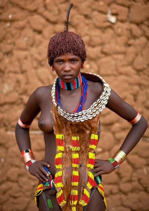 """""""アフリカ原住民""""の民族おっぱいを集めた結果。巨乳多すぎワロタwwwwwww・2枚目"""