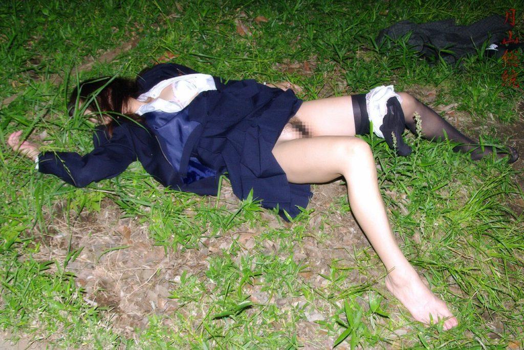 【※ガチ注意】レイプ後の女性を撮影した画像。コレ直視できる奴おるんか??・2枚目