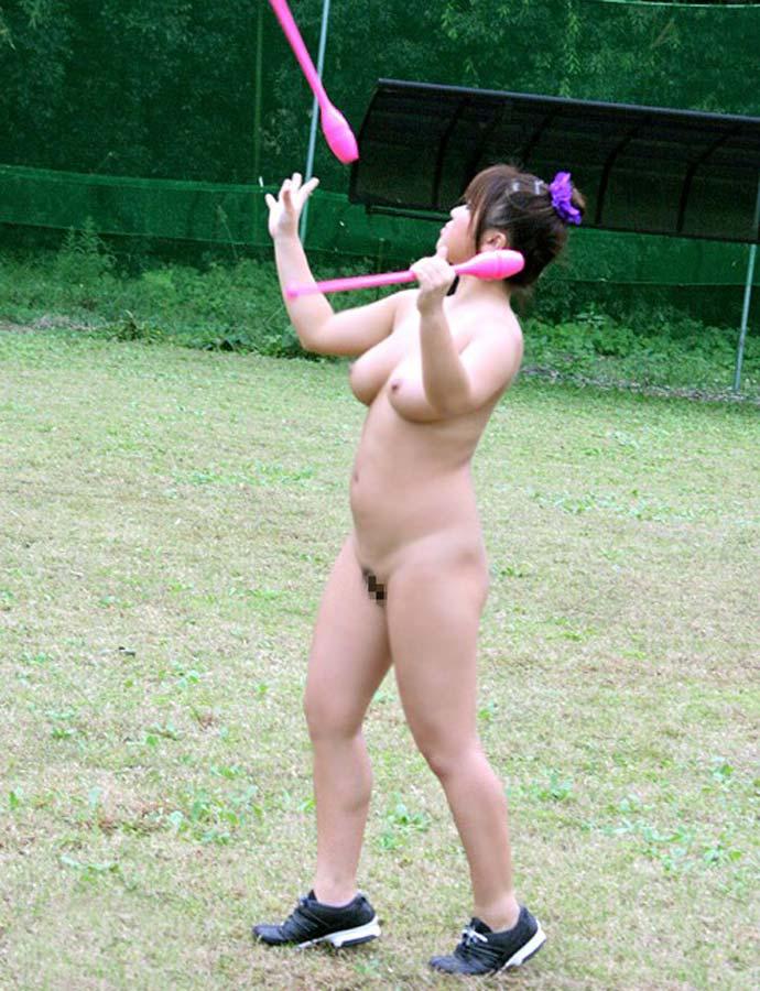 全裸でスポーツしてる日本人女性が撮影されるwwwwwwwwwww(画像あり)・20枚目