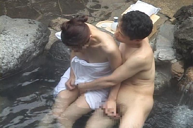 貸し切り露店風呂でカップルの後に入りたくない理由がコチラ・・・(31枚)・2枚目