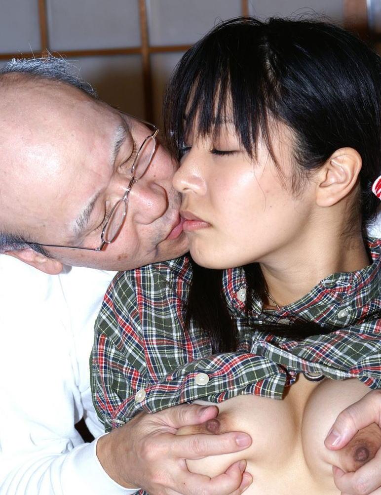 【エロ画像29枚】おじいちゃん、愛する孫にじっくり一生のトラウマを与える瞬間。・25枚目