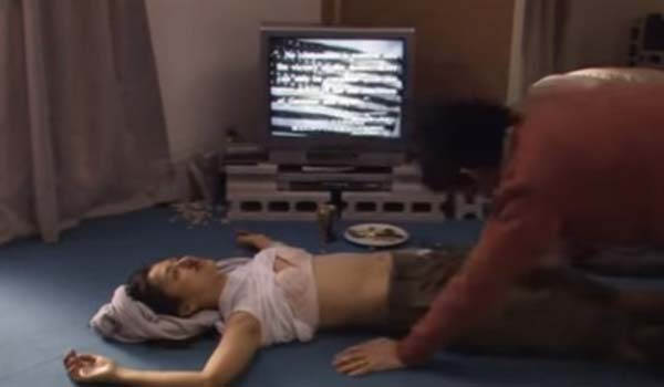 満島ひかりさん、未処理のハミ毛・パンチラなどのエロシーン連発エロ画像集(37枚)・4枚目