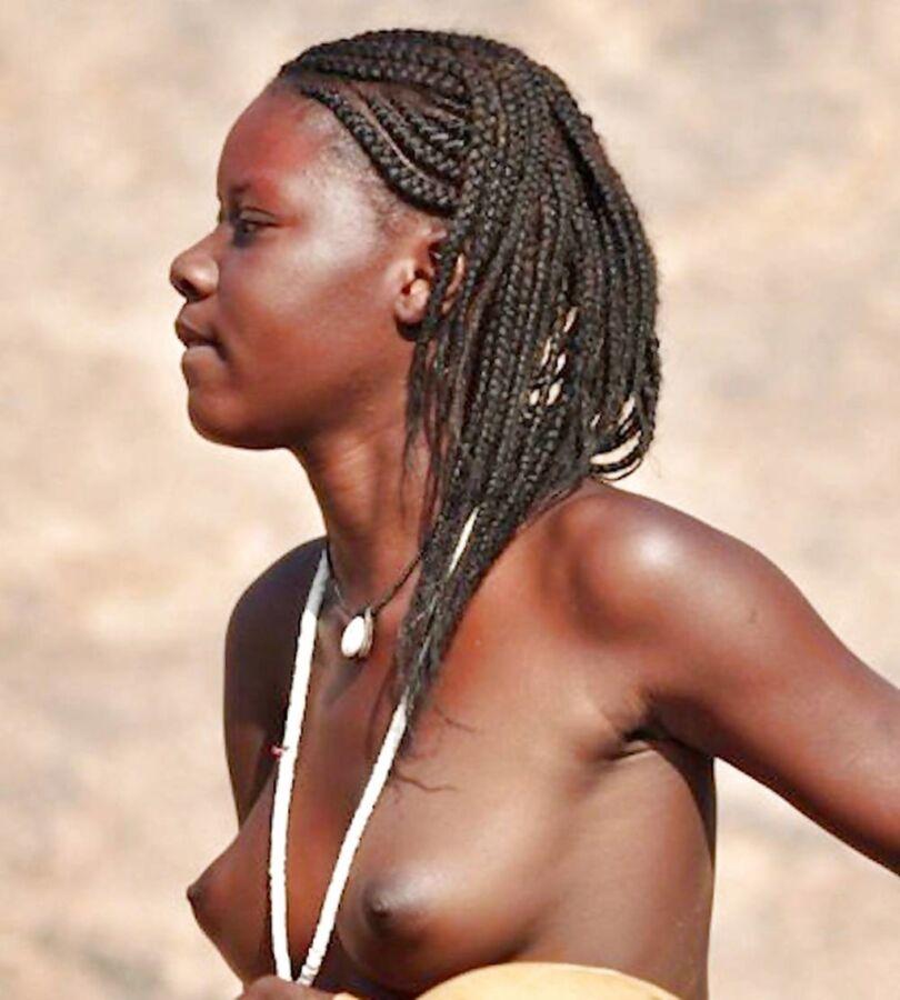 """""""アフリカ原住民""""の民族おっぱいを集めた結果。巨乳多すぎワロタwwwwwww・49枚目"""