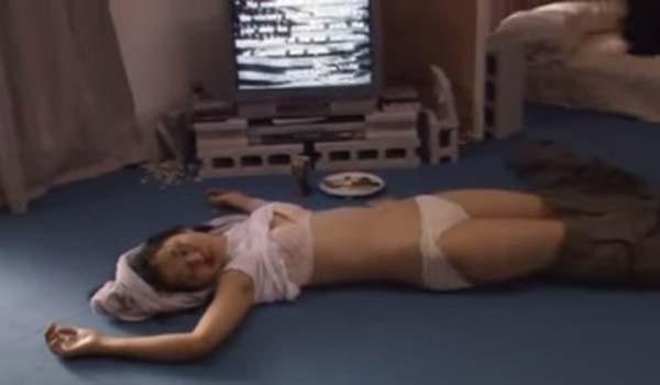 満島ひかりさん、未処理のハミ毛・パンチラなどのエロシーン連発エロ画像集(37枚)・5枚目