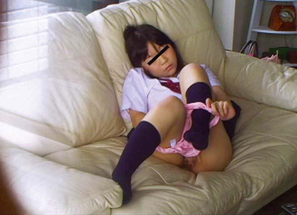 【盗撮】育ち盛りのオナニー女子の画像集(30枚)・5枚目