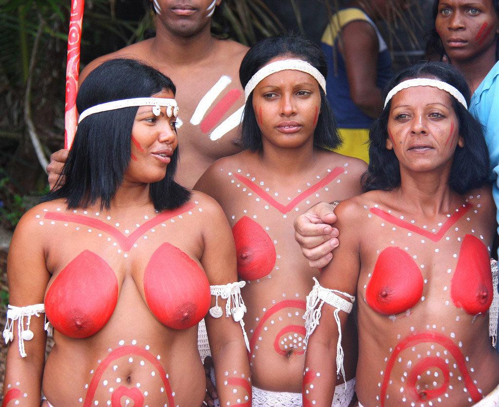 """""""アフリカ原住民""""の民族おっぱいを集めた結果。巨乳多すぎワロタwwwwwww・8枚目"""