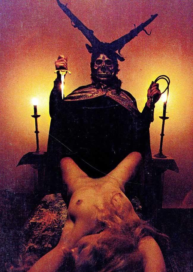 【閲覧注意】生 贄 の 儀 式 が 生 々 し す ぎ る 件。(画像29枚)・1枚目