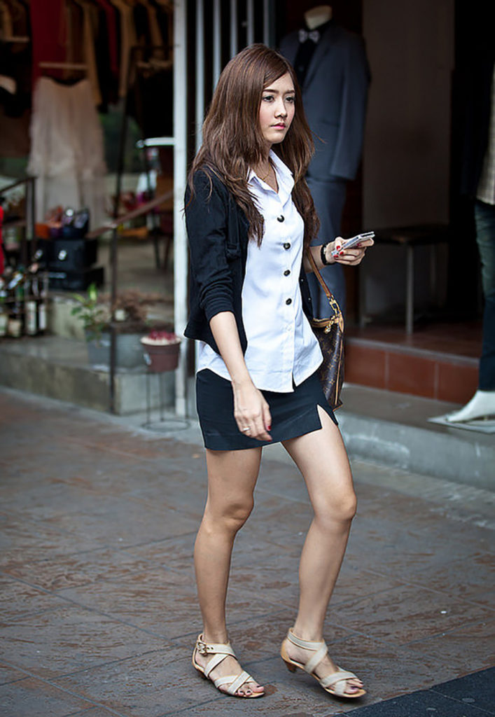 【画像あり】制服が嬢にしか見えないタイの女子大生をご覧下さい。 40枚・11枚目