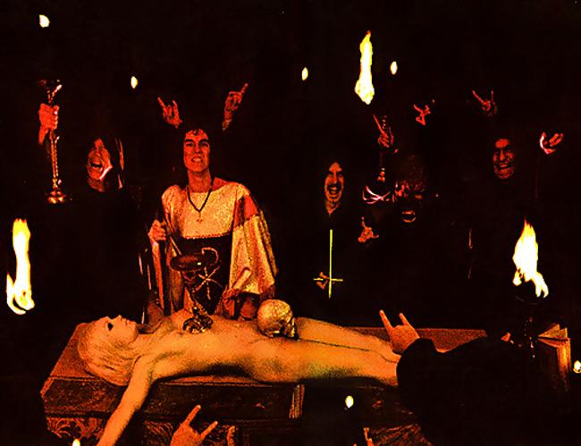 【閲覧注意】生 贄 の 儀 式 が 生 々 し す ぎ る 件。(画像29枚)・11枚目