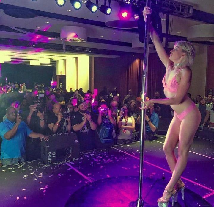 ポルノ女優さんの体を張ったイベントがヤバすぎワロタwwwwwww(画像あり)・24枚目