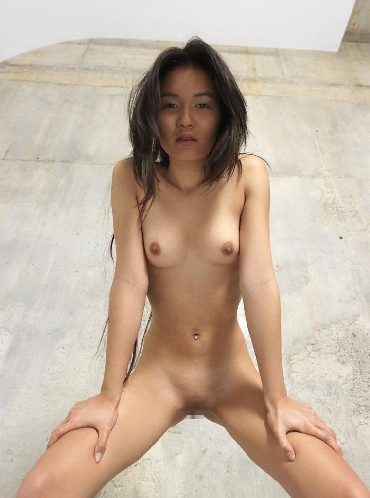 性をウリにしすぎな韓国のちっぱい女、JCにしか見えなさ杉てワロタwwwwwwwww・26枚目