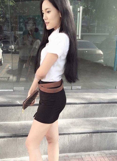 【画像あり】制服が嬢にしか見えないタイの女子大生をご覧下さい。 40枚・37枚目