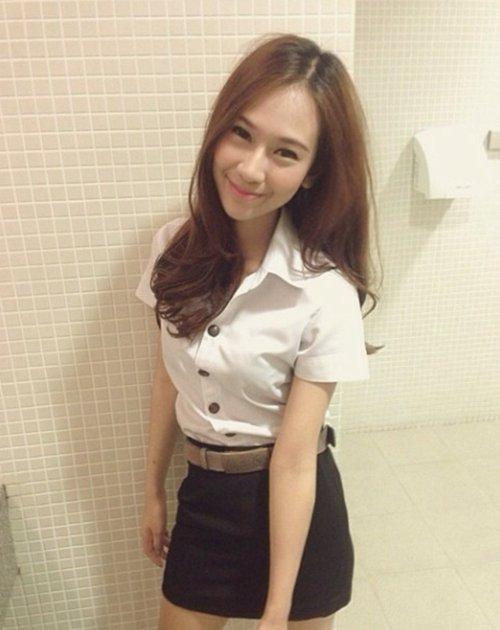 【画像あり】制服が嬢にしか見えないタイの女子大生をご覧下さい。 40枚・39枚目