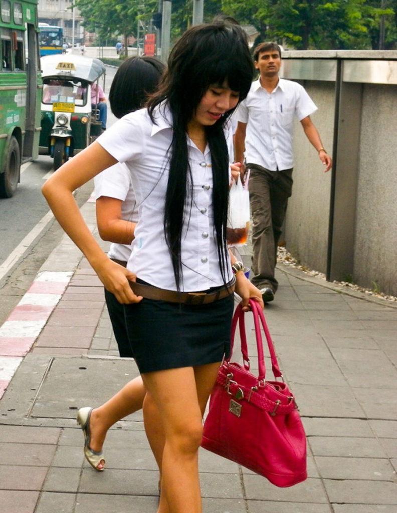 【画像あり】制服が嬢にしか見えないタイの女子大生をご覧下さい。 40枚・5枚目