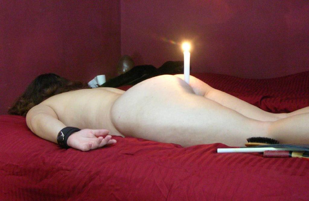 【理解不能】アナルに火のついたロウソク使われる女悲惨すぎワロタwwwwww・8枚目