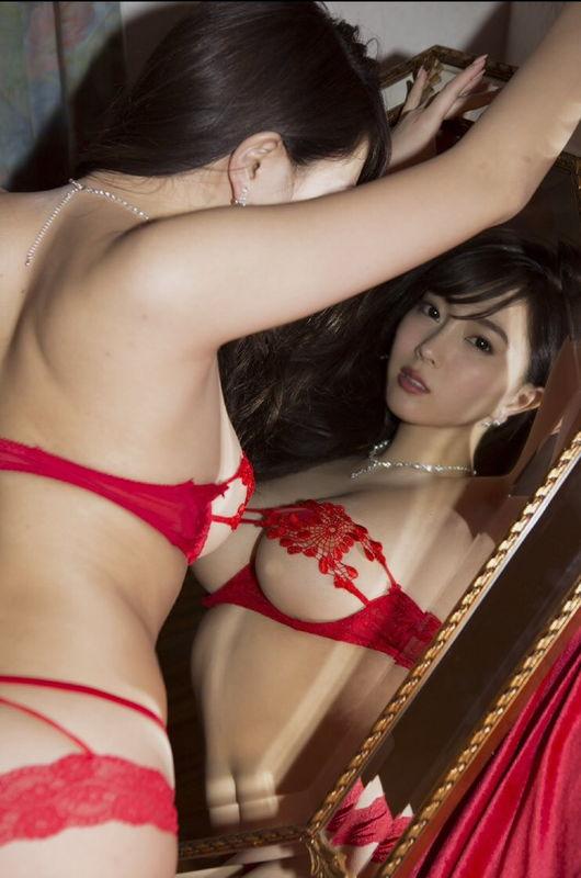 【※朗報】イマ愛人にしたいNo.1グラドル森咲智美の全裸wwwwwwww(画像あり)・10枚目