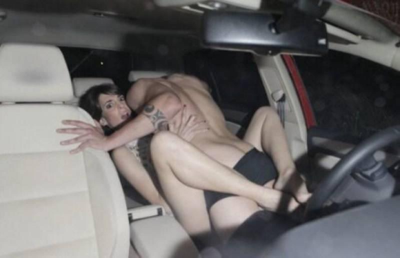 【※悲報】渋滞の高速道路で車内セ●クスしてる姿を発見されるwwwwwwwwwwww(画像あり)・23枚目