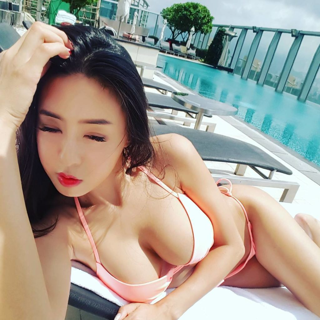 巨乳をアピールしSNSにオナネタ提供してくれる韓国美女。(画像37枚)・28枚目