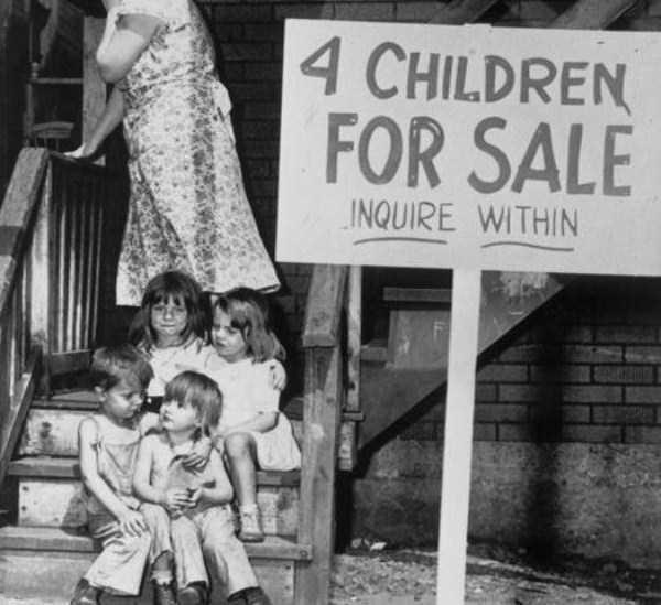 【閲覧注意】詳細が知りたい系のエロ画像貼ってくスレ ← 4人の幼女をセール価格で売買する画像胸糞すぎ。。。・28枚目