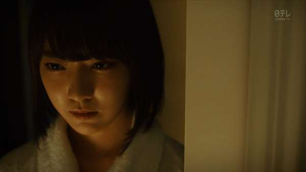 【放送事故】アイズワンメンバーの宮脇咲良、ナプキンがハミ出すハプニン具wwwwwwww・5枚目