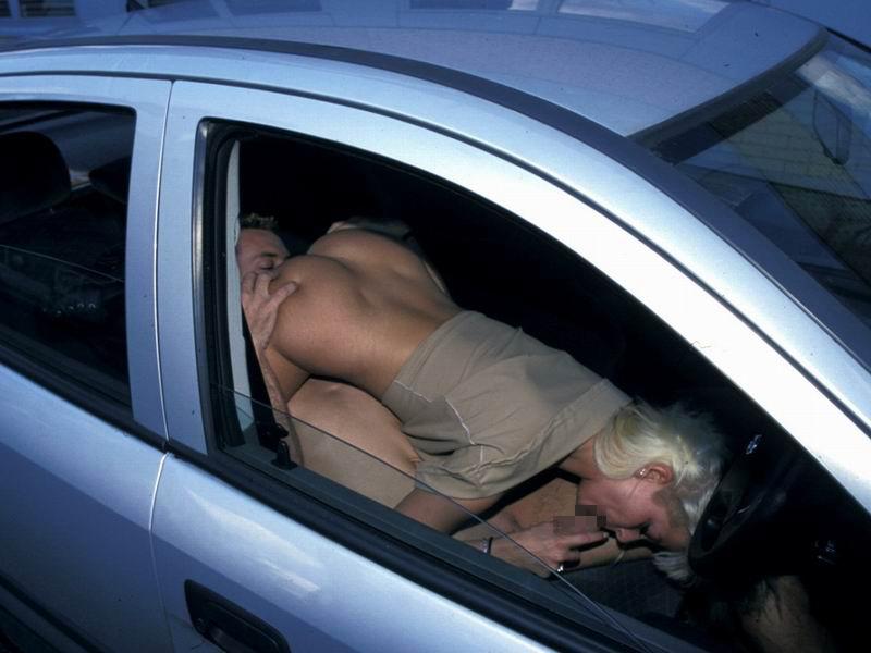 【※悲報】渋滞の高速道路で車内セ●クスしてる姿を発見されるwwwwwwwwwwww(画像あり)・5枚目