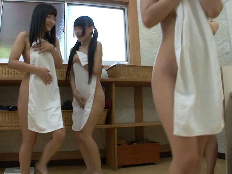 【ガチ盗撮】修学旅行の女子学生、宿泊先でしっかり盗撮され拡散される・・・(画像あり)・57枚目