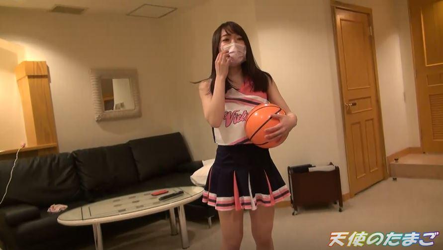 【援〇注意】現役バスケ女子がチアコスさせられハメ撮りされた映像。。ヤッバwwwwwww(動画あり)・1枚目
