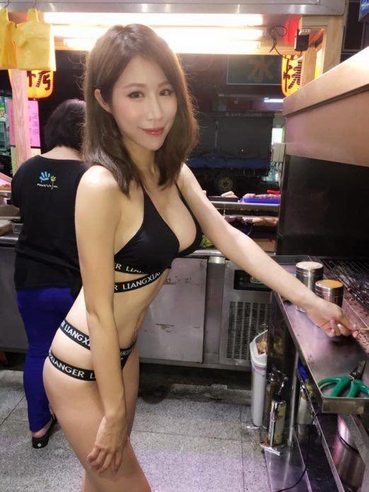 【※朗報】おっぱいを売りにしてる屋台の女の子(17)がえちえち過ぎるwwwwwwwwww(画像あり)・5枚目