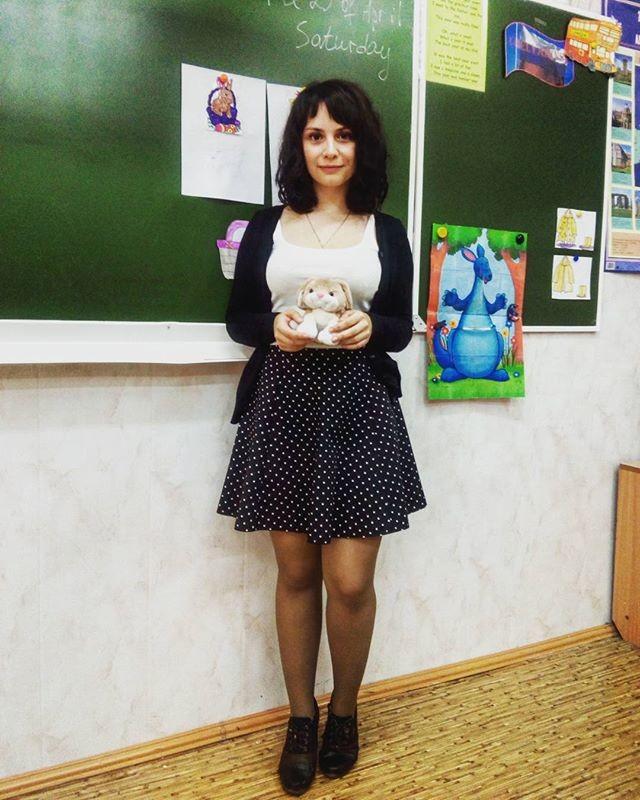 【※ご褒美※】生徒にヤられそうなロシアの女教師ヤッバ杉クソワロタwwwwwwww(画像あり)・24枚目