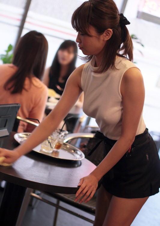 「乳首ポッチ」の女を撮影したから晒すわwwwこれは勃起不可避wwwwwww(画像あり)・4枚目