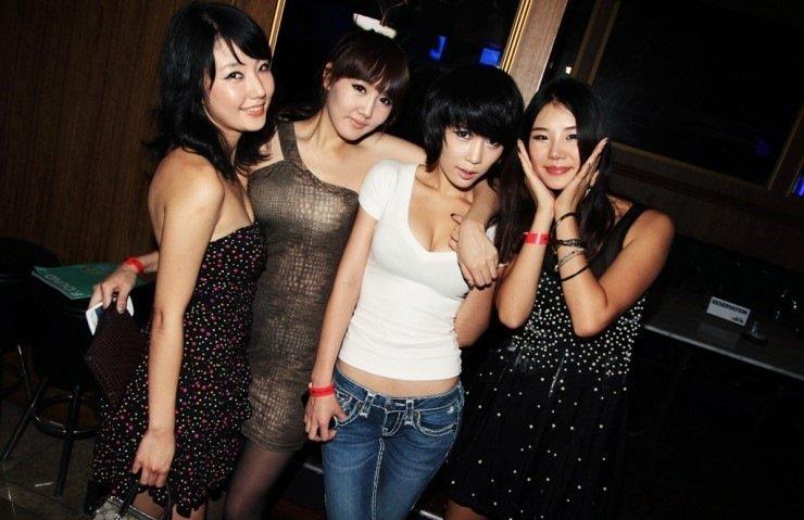 【エロギャル】割と簡単にお持ち帰りができる韓国クラブが最高だった件・・・(※画像あり)・8枚目