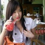 【画像あり】タイの女子大生の制服、パンツくらい見えても平気です(`・д・´)キリッ