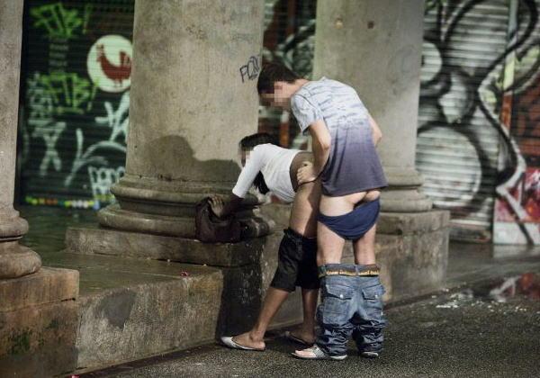 20ユーロでSEXできる路上売春婦ヤバすぎるだろ・・・・・