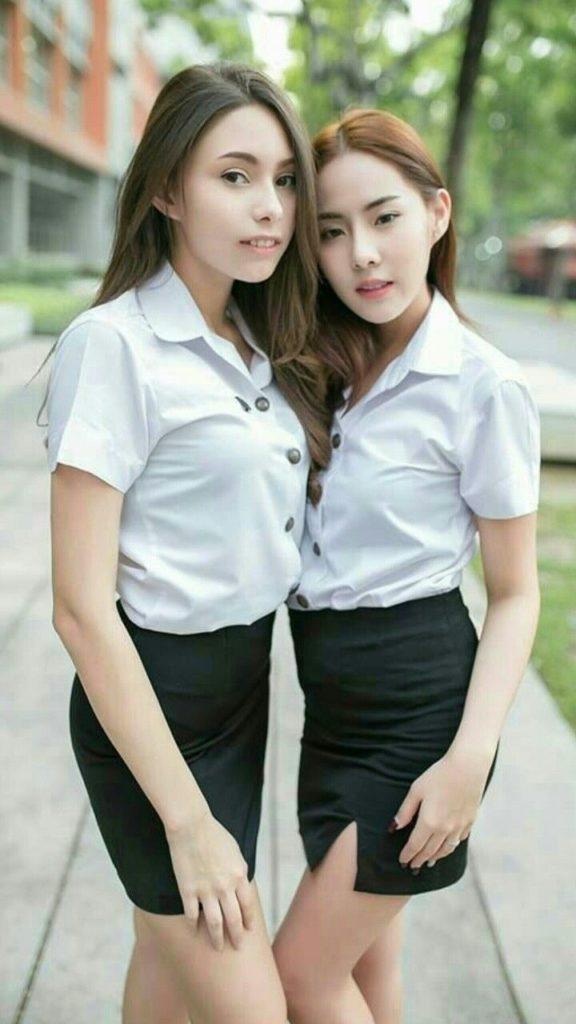 【画像あり】タイの女子大生の制服、パンツくらい見えても平気です(`・д・´)キリッ・12枚目