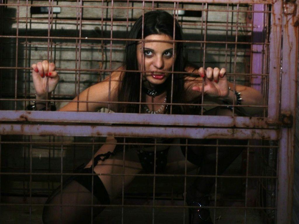 人身売買にかけられる前の女たちをご覧下さい(画像あり)・13枚目