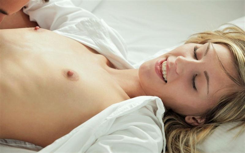 白人×貧乳が集まる最強画像スレ、女体エロ杉・・・絶句した。(※画像あり※)・13枚目