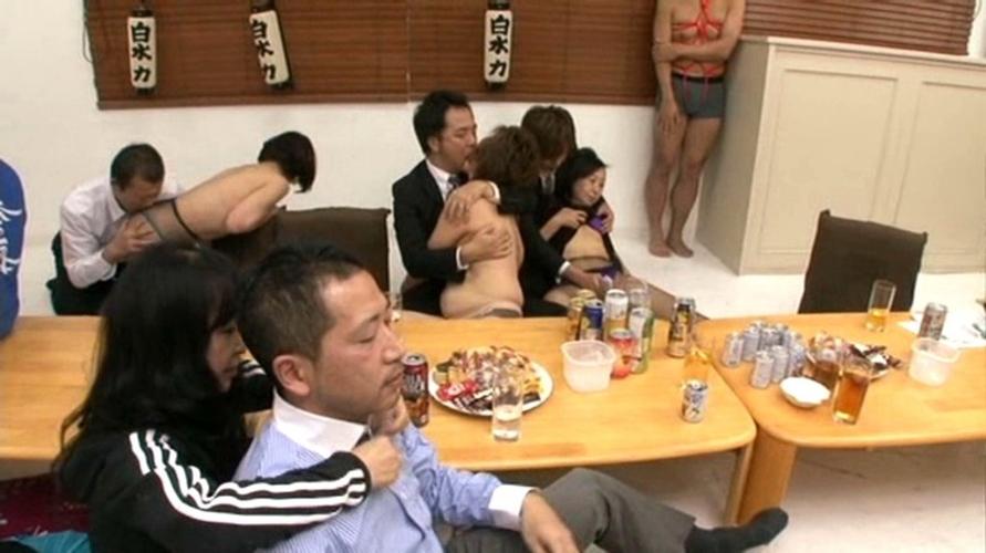 【※流出※】大学サークルの飲み会でとんでもない失態を犯した学生たちをご覧下さい(画像あり)・2枚目