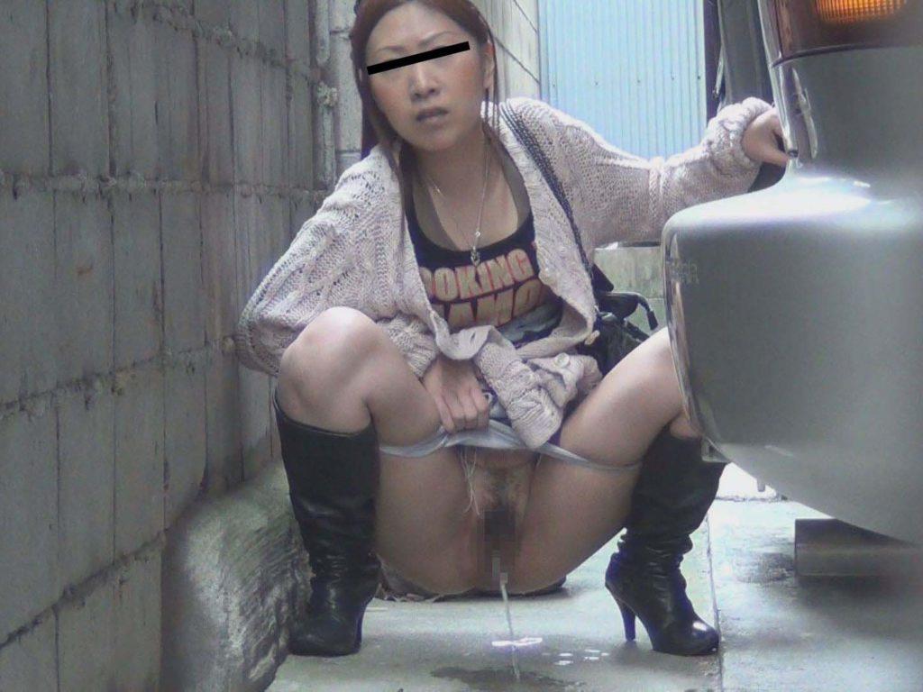 【※盗撮※】我慢できずに羞恥心を失った女たちをご覧下さい。・21枚目