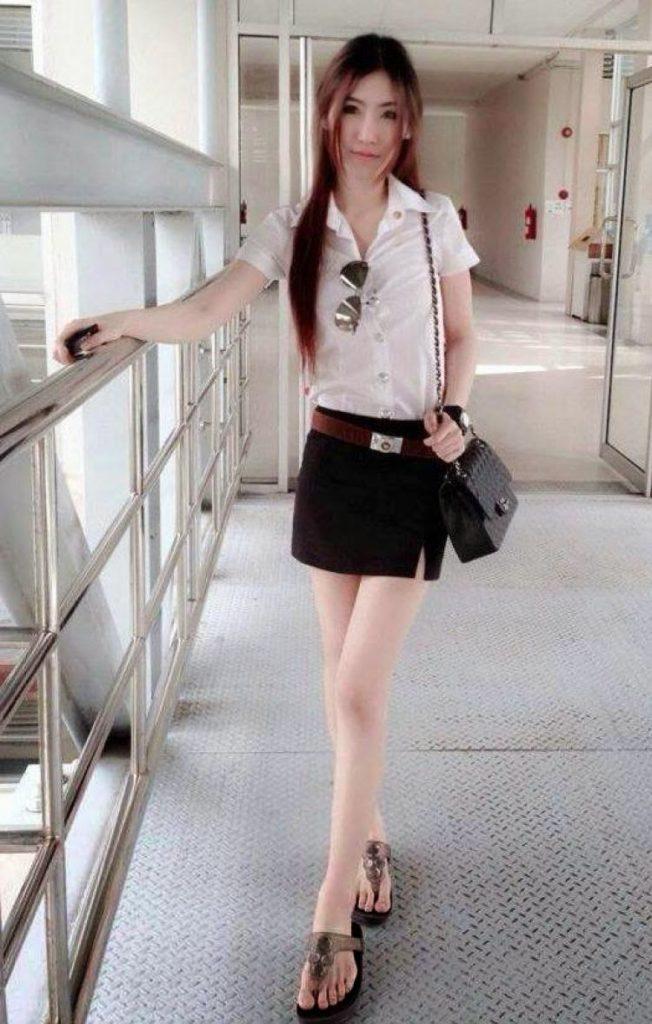 【画像あり】タイの女子大生の制服、パンツくらい見えても平気です(`・д・´)キリッ・24枚目