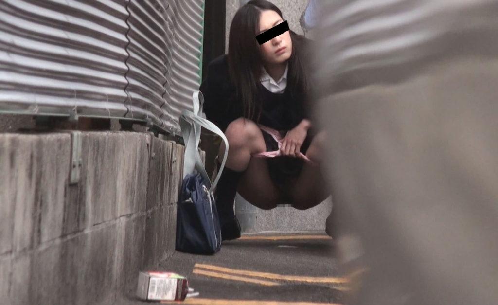 【※盗撮※】我慢できずに羞恥心を失った女たちをご覧下さい。・26枚目